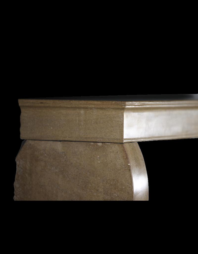 Pequeña Chimenea Francesa Antigua De Piedra Caliza Dura