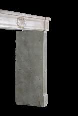 Französische Kamin Maske Im Französischen Landhausstil Aus Zweifarbigem Kalkstein