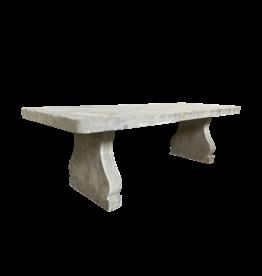Großer Kalkstein Tisch