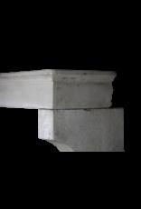 Alrededor De La Chimenea De Piedra Caliza De Estilo Rústico Francés Intemporal