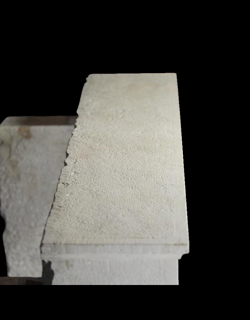 Estilo De Chimenea De Piedra Caliza De Estilo Rústico Francés Vintage