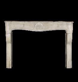 Starkes Französisches Kalkstein-Kaminstück Aus Der Zeit Louis Xv