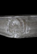 The Antique Fireplace Bank Starkes Französisches Antikes Kalkstein-Kaminstück