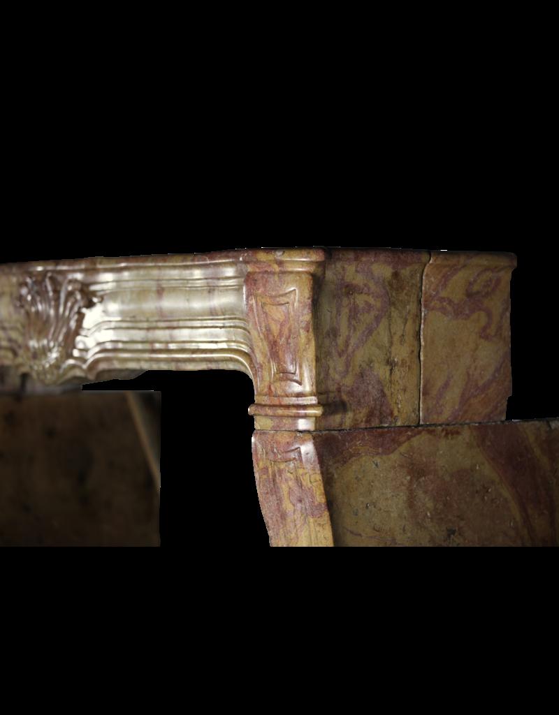 Kaminverkleidung Aus Der Zeit Von Louis XIV Aus Dem 17. Jahrhundert