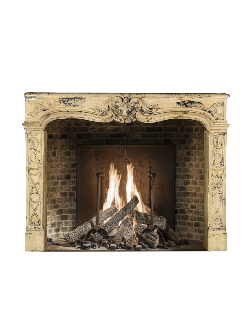 Maison Leon Van den Bogaert Antique Fireplaces & Vintage Architectural Elements Alrededor De Chimenea De Piedra Caliza De Estilo Rústico Francés Vintage