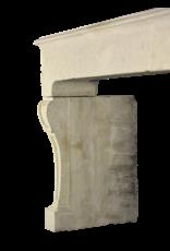 Chimenea De Piedra Caliza De Estilo Rústico Francés Antiguo