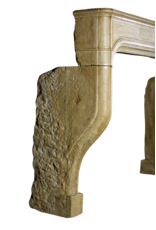 Großer antiker Kaminmaske