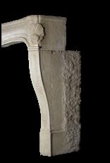Großer antiker Schloss Kaminmaske aus Kalkstein