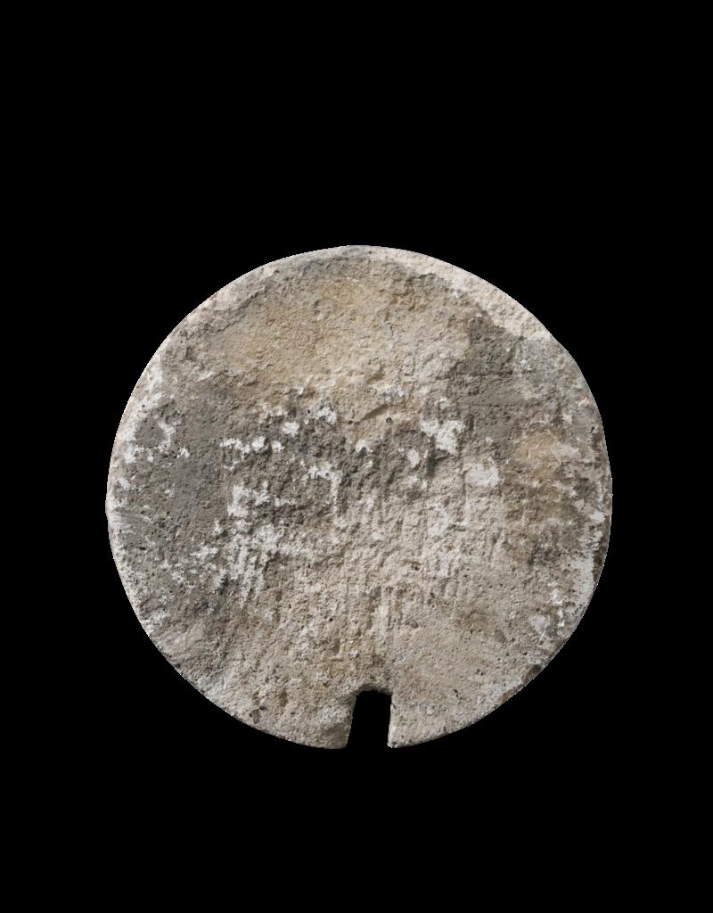 Antikes Kalksteingefäß
