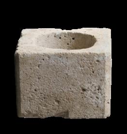 Bohrlochkopf aus Kalkstein