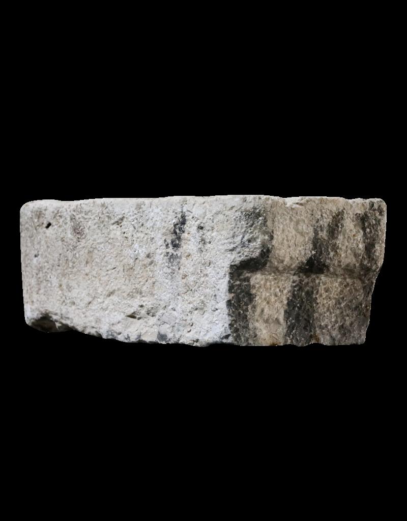 Französisches Waschbecken im Farmstil aus hartem Kalkstein