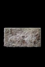 Rustikaler französischer Kalksteintrog
