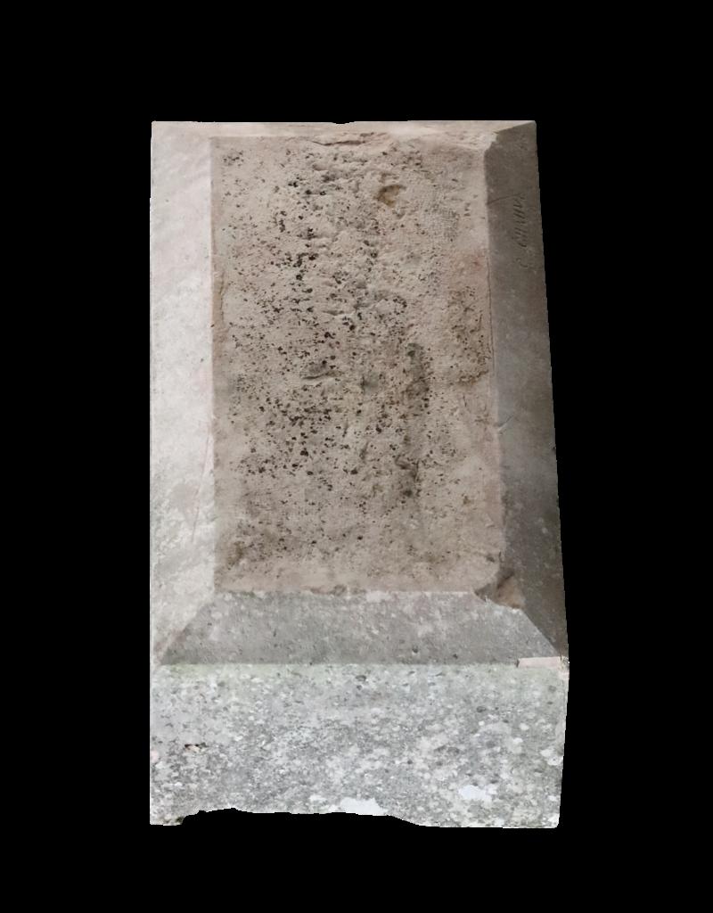 Bloc In French Burgundy Hard Limestone