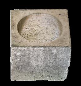 Antike Bohrlochkopf aus Kalkstein