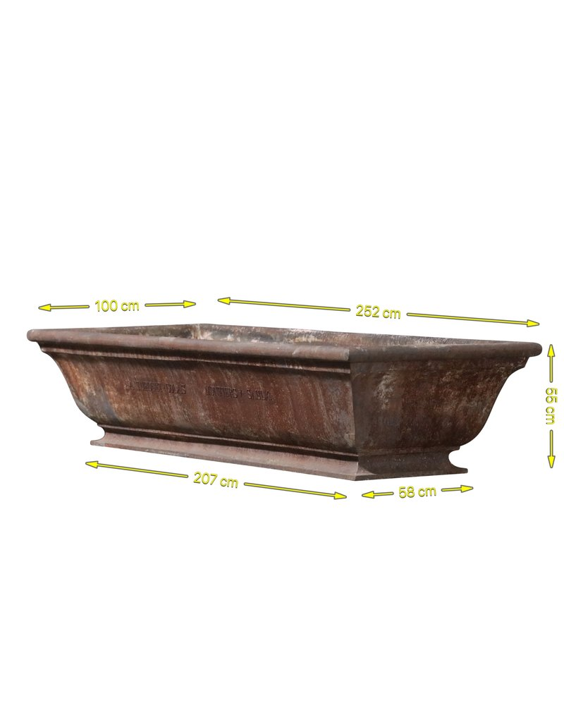The Antique Fireplace Bank Cast Iron Drinking Bassin