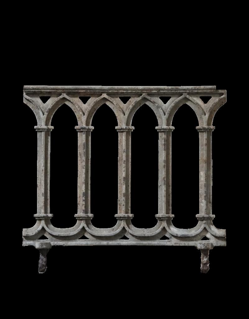Balcón De Hierro Fundido De Estilo Gótico