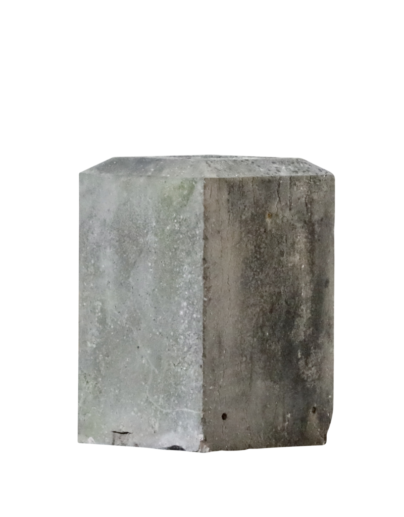 The Antique Fireplace Bank Base Bloc