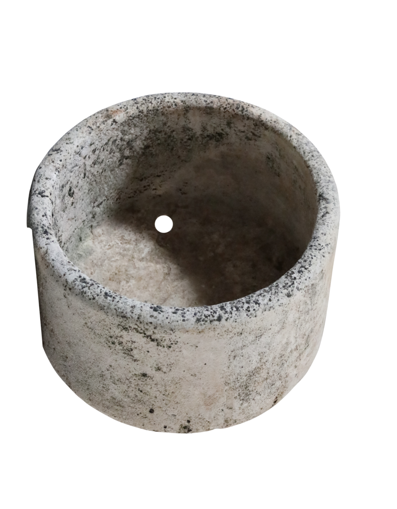 Historischer runder Wasserbassin