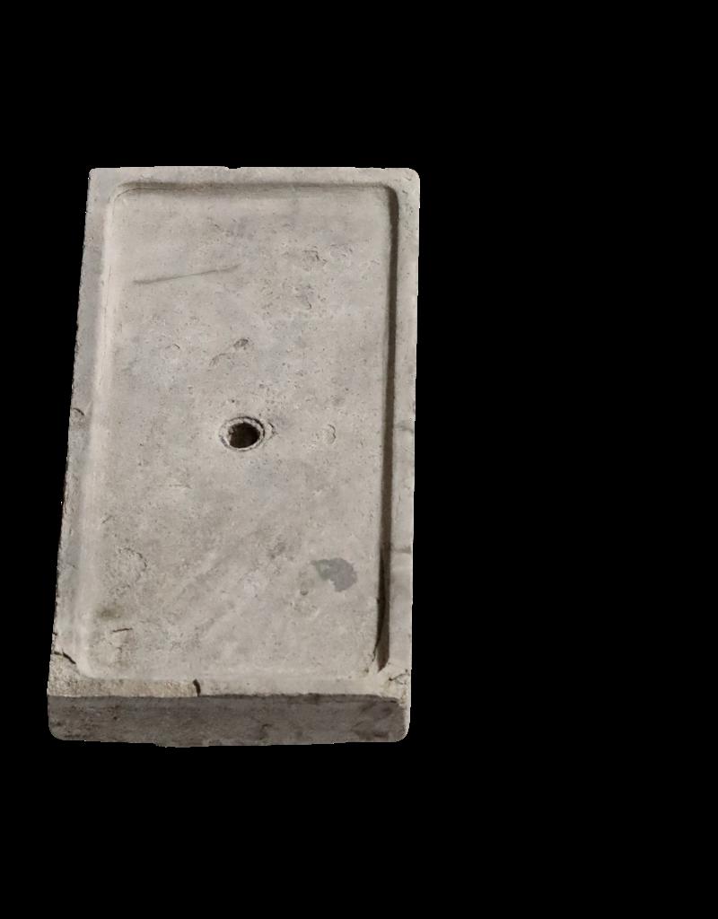Fragmento De Fregadero De Piedra Caliza Recuperada