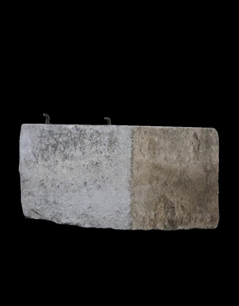 Bicolor French Wellhead Stone
