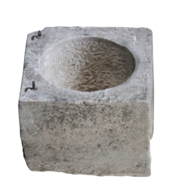 Reclaimed French Wellhead Stone