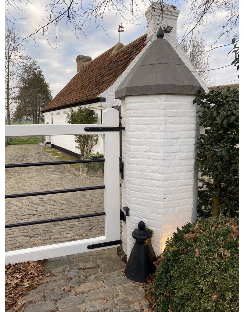 The Antique Fireplace Bank New Gate Posts Protector In Cast Iron