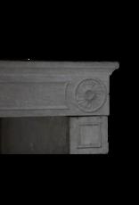 The Antique Fireplace Bank Ungewöhnliche Hohe Französische Kalkstein-Kaminsims Des 19. Jahrhunderts