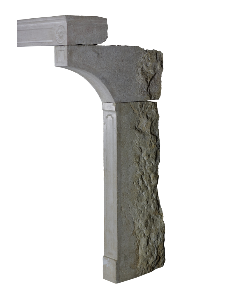 Inusual Alto Chimenea De Piedra Caliza Francesa Del Siglo XIX