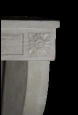 Eleganter Grand White Limestone Kamin