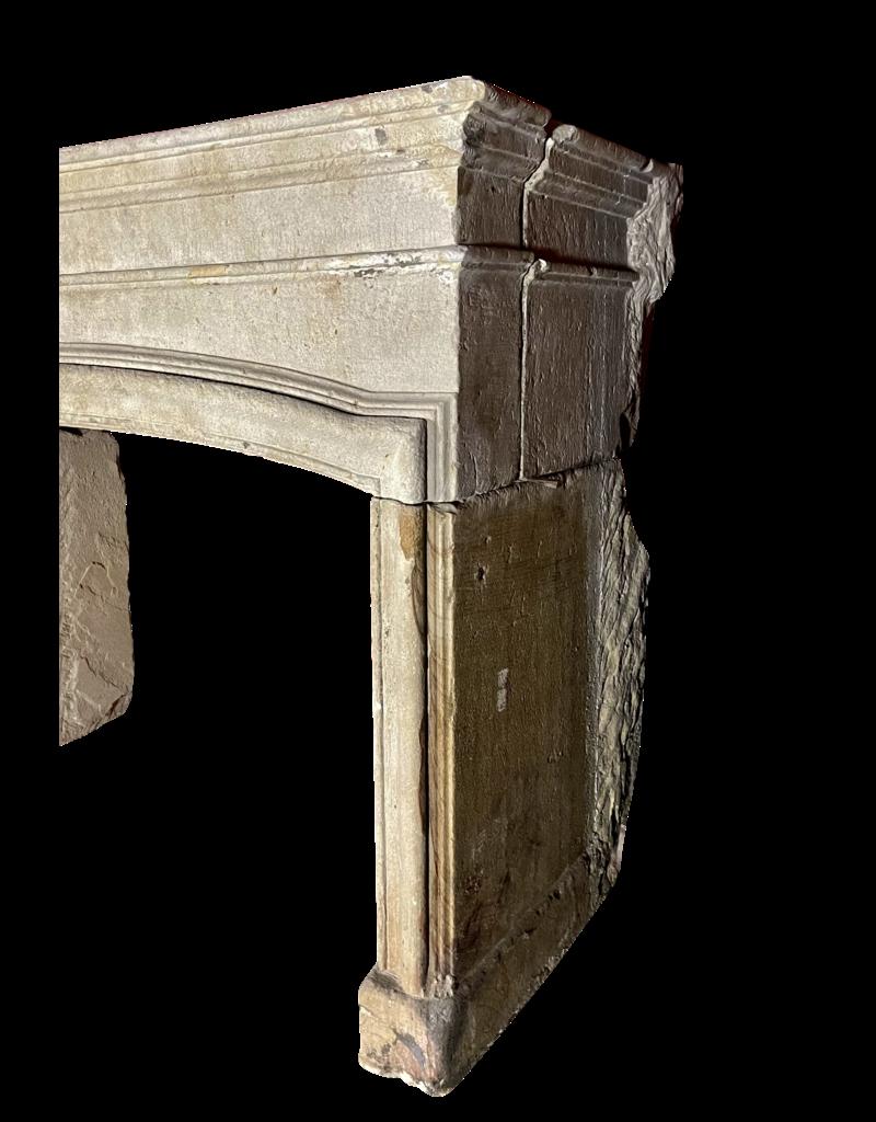 Maison Leon Van den Bogaert Antique Fireplaces & Vintage Architectural Elements Fuerte Repisa Para Chimenea De Piedra Grez Del Siglo Xvii