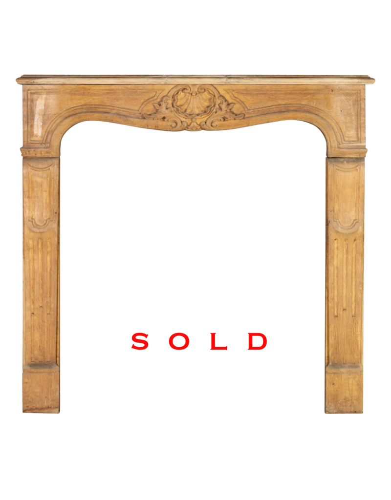 The Antique Fireplace Bank Pequeño Envolvente Roble Francés Clásico