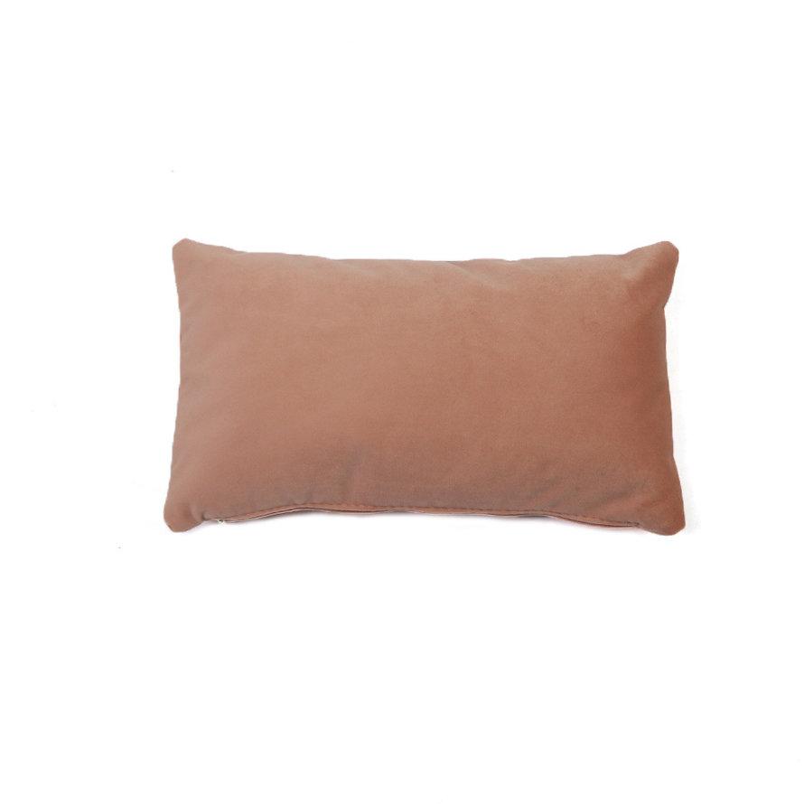 Sierkussen Anna velvet roze 25 x 45 cm