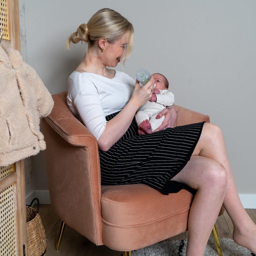Stoel babykamer Amy velvet roze