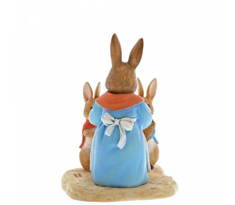 Beatrix Potter - Mrs. Rabbit, Flopsy & Peter Rabbit