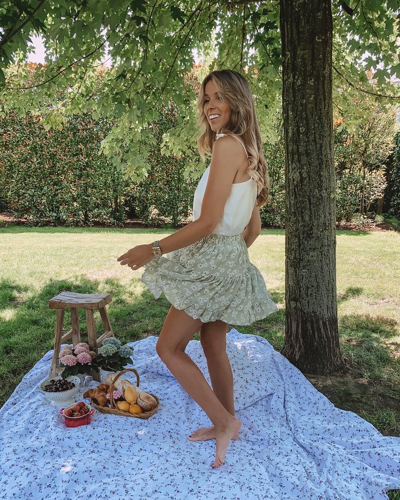 Romantic White Flower Skirt