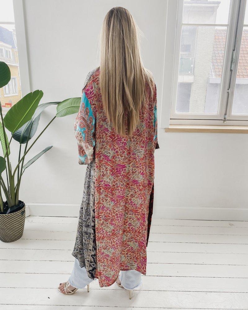 Long Unique Kimono Number 202