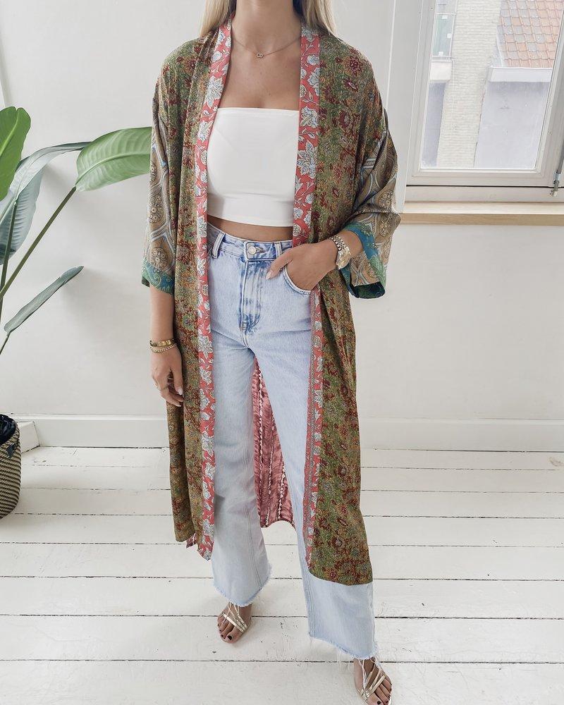 Long Unique Kimono Number 261