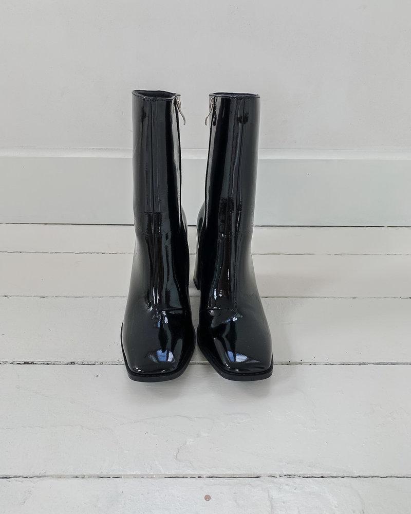 Black Lak Boots