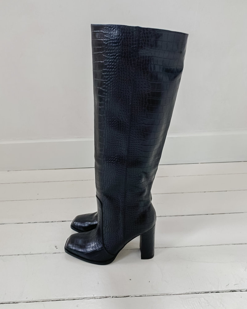 Black Snake Leather Boots