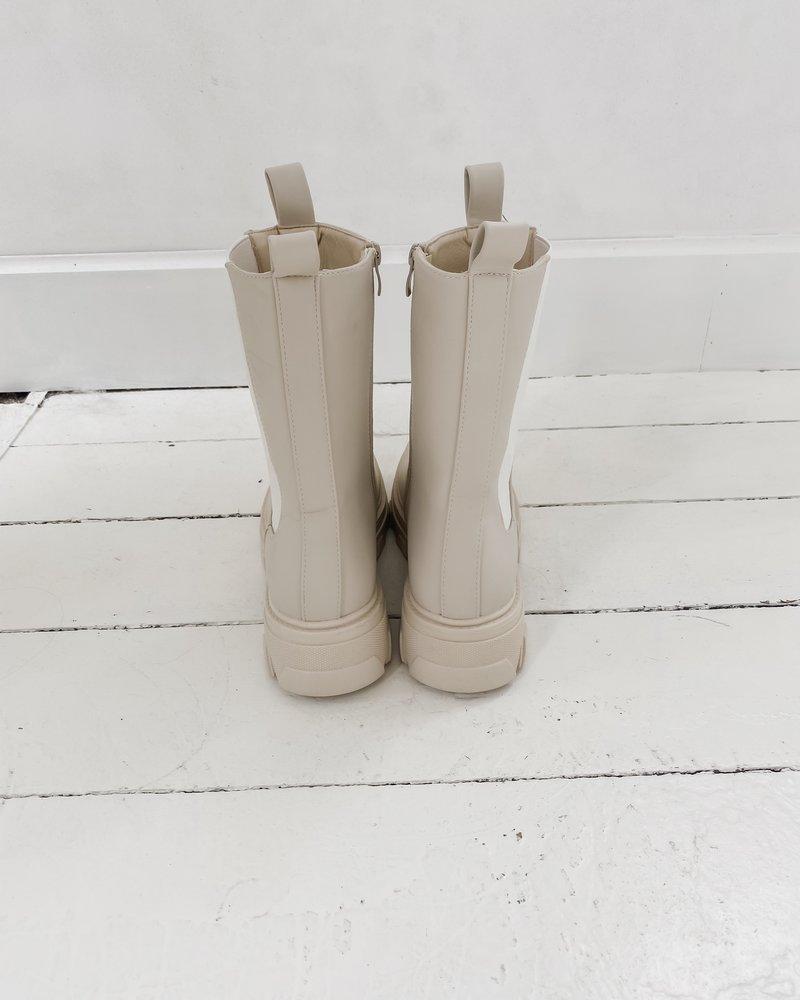 Crème Leather Boots