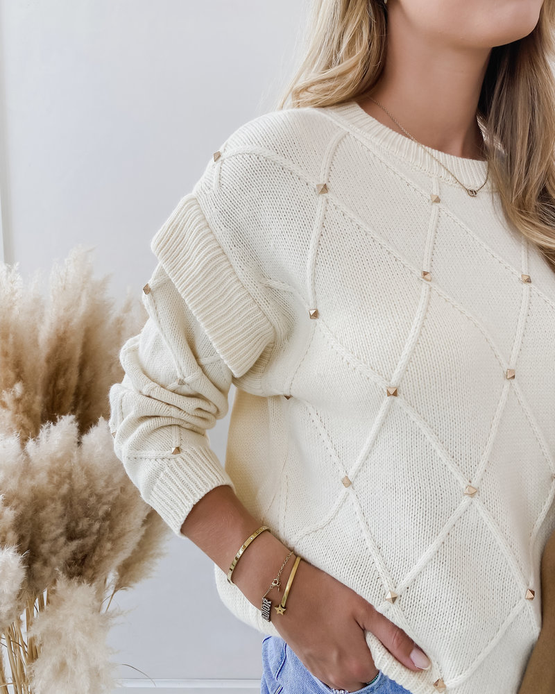 Créme Valentino Inspired Sweater