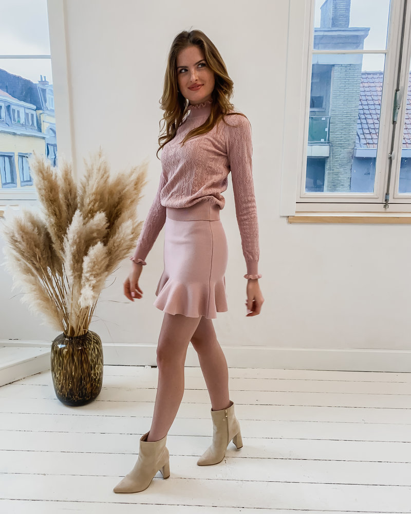 Old Pink Frill Ensemble