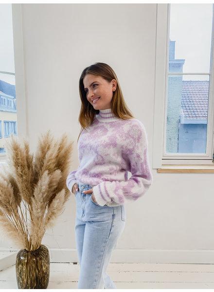 Lila Vintage Sweater