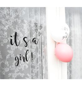 SuzyB Raamsticker 'It's a girl'