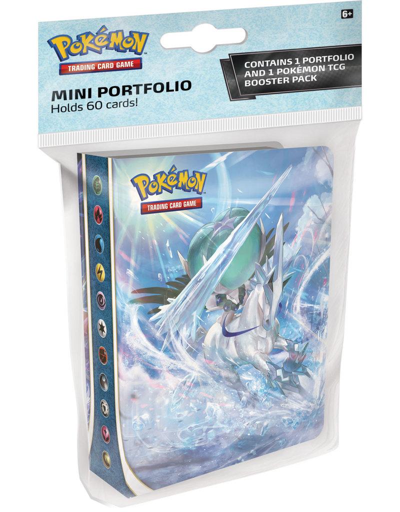 The Pokémon Company Pokemon Sword & Shield Chilling Reign Mini Portfolio + Booster