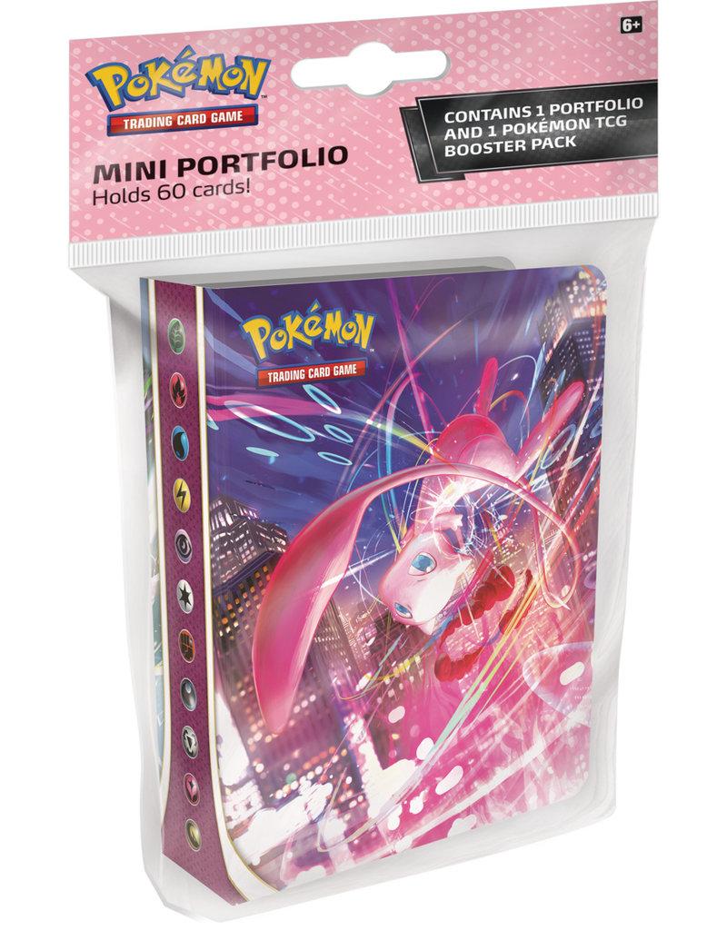 The Pokémon Company Pokemon Sword & Shield Fusion Strike Mini Portfolio + Booster