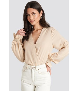 NA-KD wrap over blouse
