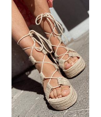 Wrap sandal beige