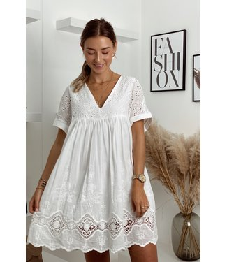Blanc lace open back dress