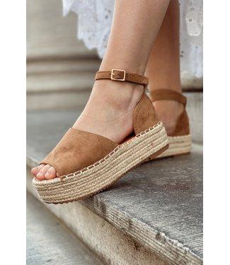 Platform sandals camel